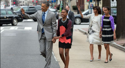 Obama family walks to Easter church service