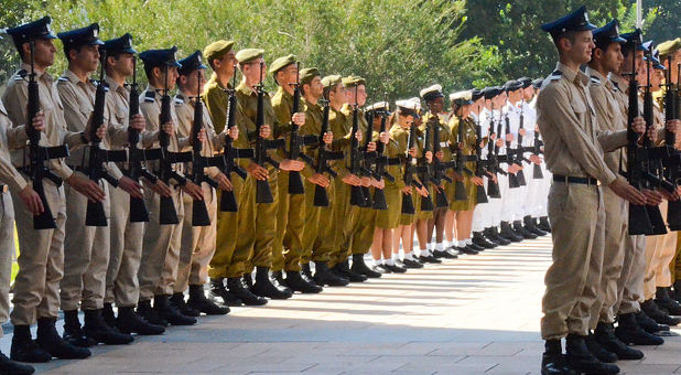 Israeli soldiers and band members