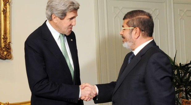 kerry meeting with mohammed morsi