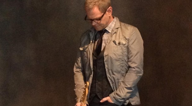 christian singles in curtis Man (voiceover): steven curtis chapman is the most awarded artist in christian music with 58 dove awards, five grammys, and 48 number one singles.