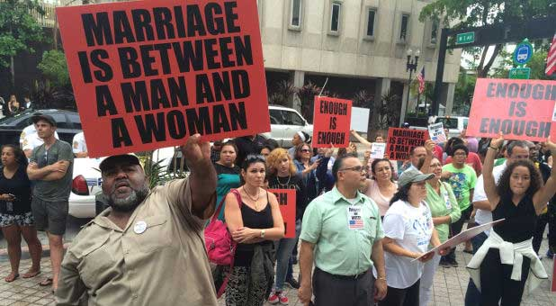 gay marriage protesters