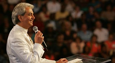 Benny Hinn says he did not have a heart attack.