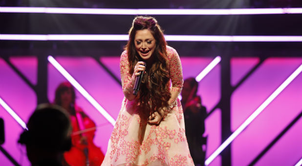 Kari Jobe performs at the 2017 Dove Awards.