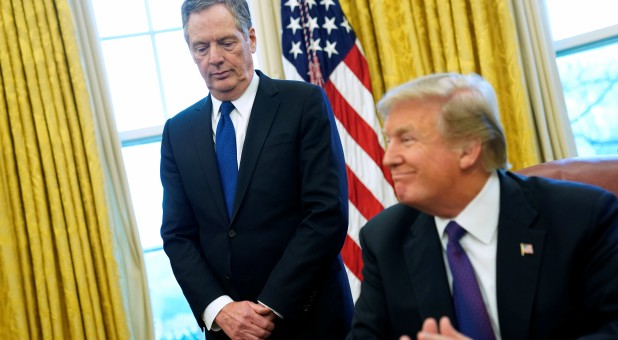 President Trump, right, with Rep. Robert Lighthizer