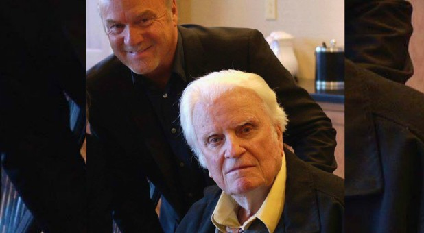 Greg Laurie, back, with Billy Graham, front.