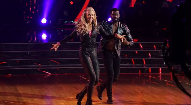 "Jennie Finch on ""Dancing With The Stars"""